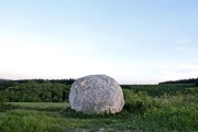 andy_goldsworthy_chalk_balls_on_the_south_downs-scaled1000
