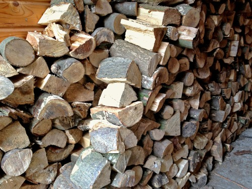 West_sussex_logs_and_firewood