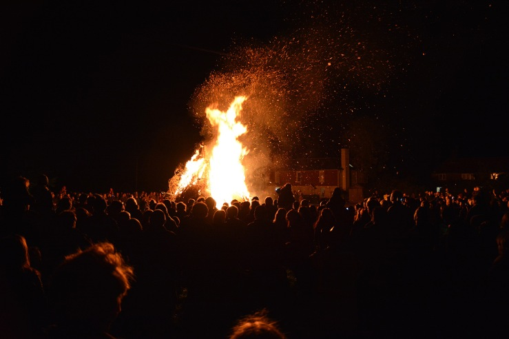 Heyshott Bonfire and Fireworks, West Sussex